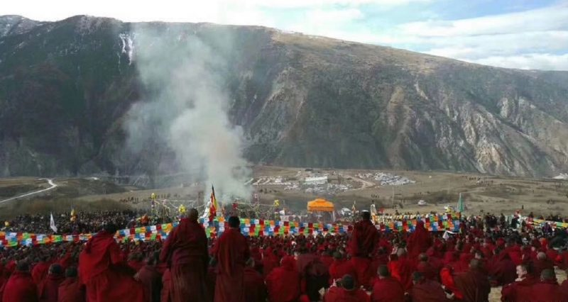 Thousands in Tibet mourn passing of India-educated Buddhist teacher