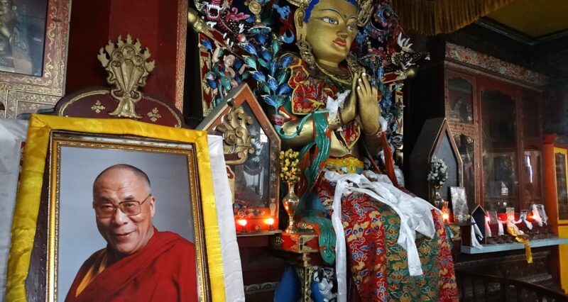 Eastern Tibet: Wave of arrests over language rights, Dalai Lama images
