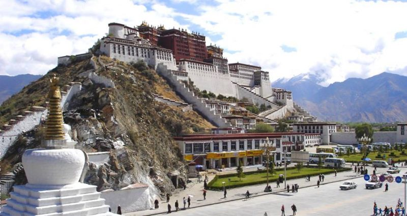 China bans foreigners from visiting Tibet Autonomous Region until April